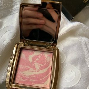 HOURGLASS BLUSH in Ethereal Glow (UNUSED)